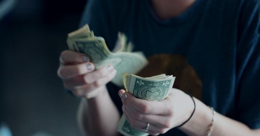 카지노가 플레이어가 더 많은 돈을 쓰도록 속이는 방법